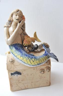 Mermaids Chest