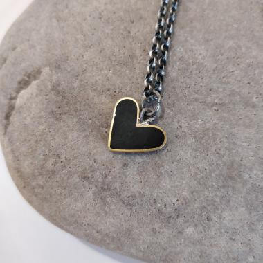 Black heart necklace with an adjustable chain