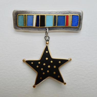 Black Star Star Broach