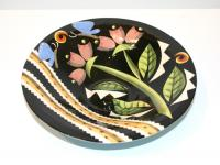 Dish with raised centre by Theresa  Edwards